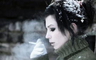 Почему не стоит курить на морозе?