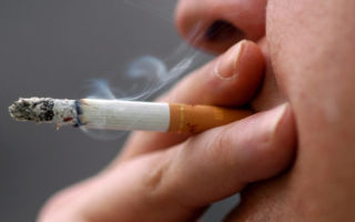 Можно ли курить при тонзиллите?