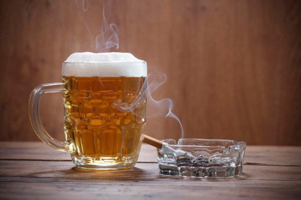 Табак и алкоголь вместе вызывают сильную привязанность