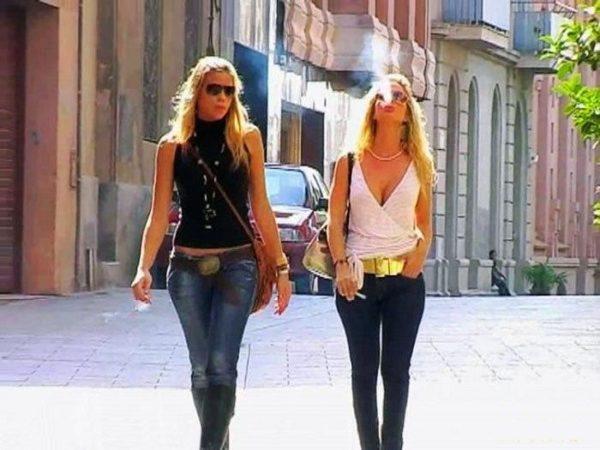В Чехии разрешено курение на улице