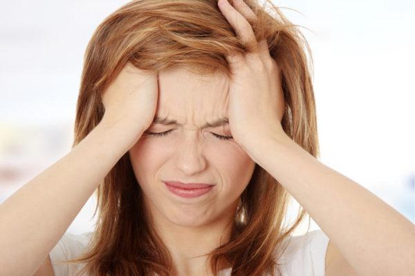 Головная боль - один из симптомов абстиненции
