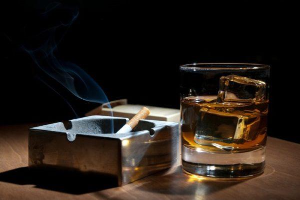 Алкоголь и курение лучше не совмещать